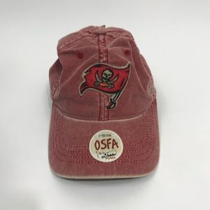NWT NFL Tampa Bay Buccaneers Reebok Distressed Hat
